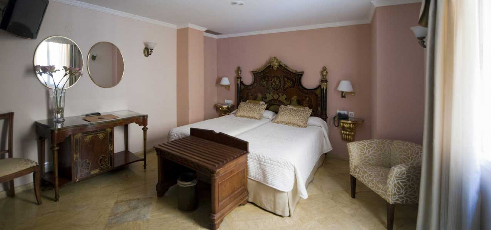 Отели в центре Севильи